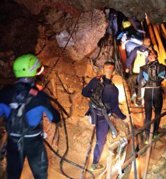 meninos resgatados tailândia