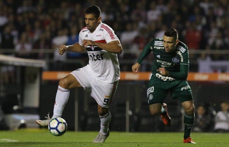Diego Souza vê São Paulo forte na briga pelo título