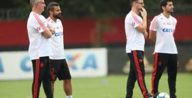 Em treino, Dorival esboça Flamengo