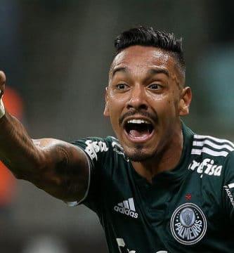 Zagueiro se declara ao Palmeiras