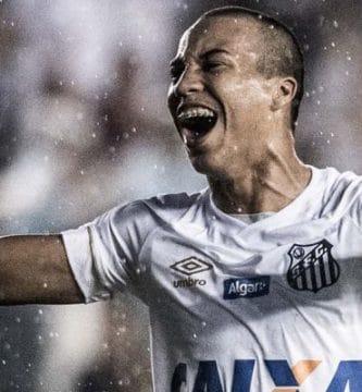 Kaio Jorge sexto mais jovem a fazer estreia pelo Santos