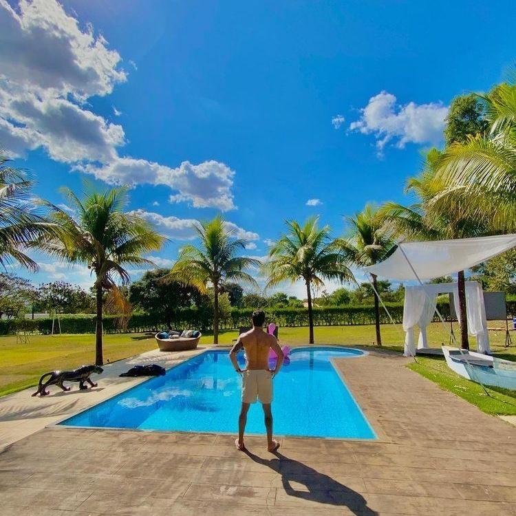 Piscina da manso do sertanejo Rodolffo do BBB 21 em Goinia - Reproduo Instagram